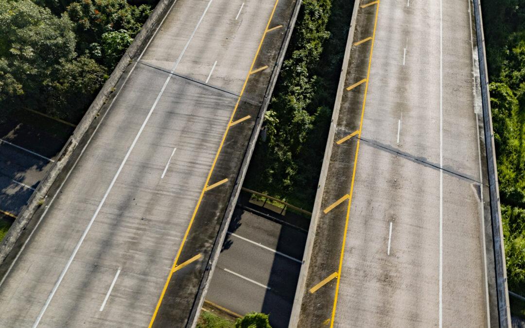 """Desvío del tránsito pesado por trabajos de reparación sobre el puente 2354 (""""Paso del Indio"""") en el kilometro 37.0 en la PR-22 en Vega Baja en dirección a San Juan"""