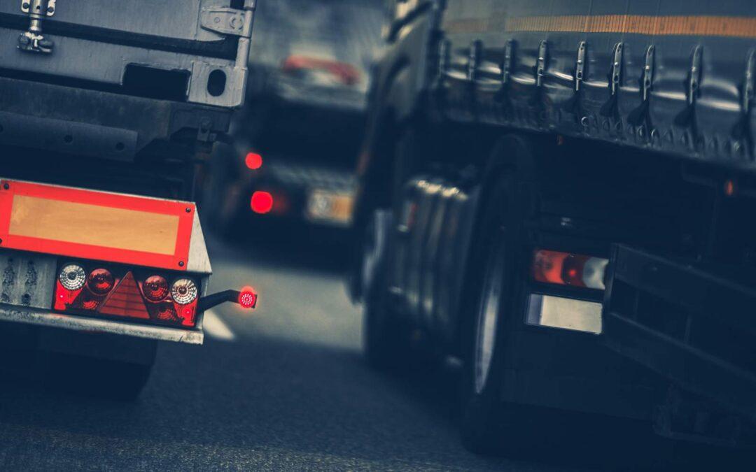 Desvío de camiones frente a la cárcel federal