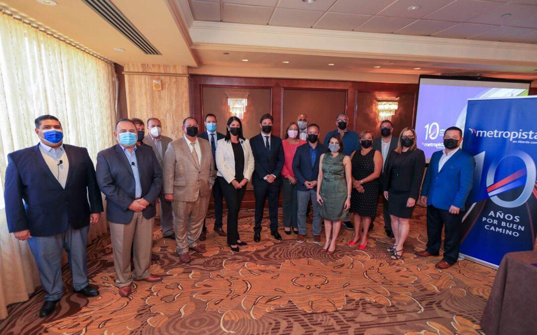 Metropistas presenta a los alcaldes de la PR-22 y PR-5 los resultados de los primeros diez años de operación